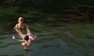 Το Flix βουτά στη Λίμνη Βουλιαγμένης με τον «Γιο της Σοφίας» της Ελίνας Ψύκου