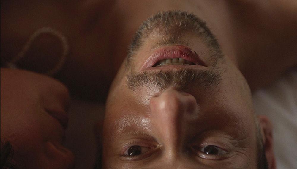 Κάννες 2014: To πάθος οδηγεί στο φόνο στο «Μπλε Δωμάτιο» του Ματιέ Αμαλρίκ