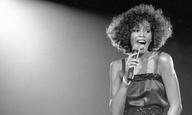 To «Whitney» αποκαλύπτει τη σεξουαλική κακοποίηση της Γουίτνι Χιούστον στην παιδική της ηλικία