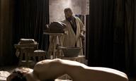 O Βενσάν Λιντόν σκαλίζει την προτομή του «Rodin»
